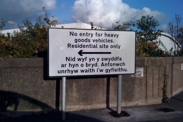 Welsh Road Sign Displays Out-of-Office Message in Translation Blunder