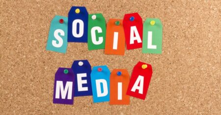 Gestion multilingue des médias sociaux