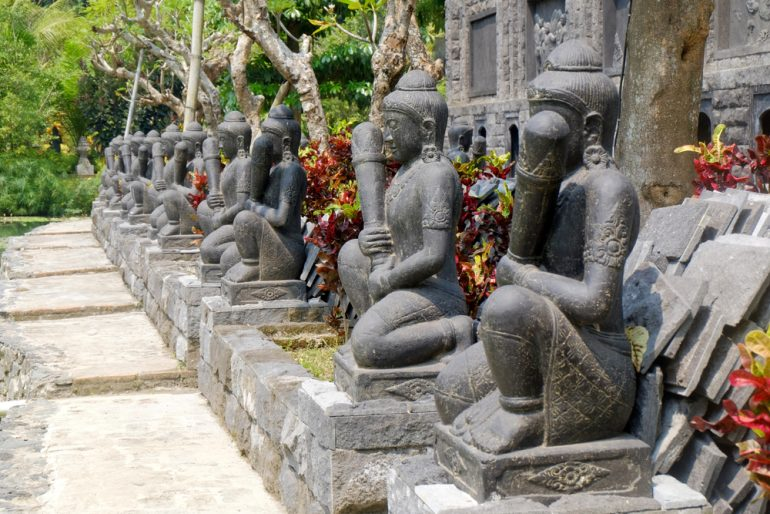 traditional buddism sclupture